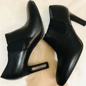 Franco Sarto Black Ankle Booties Size 9M